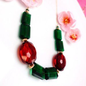 Emerald green quartz rectangle and oval necklace